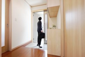 玄関とホールのリフォーム価格相場 10~20万円程